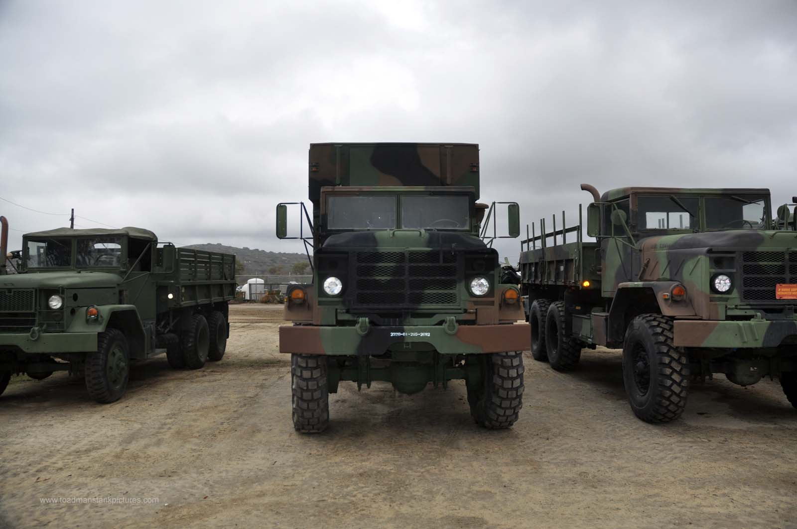 TOADMAN'S TANK PICTURES 6x6 5 TON TRUCK M934A1 WITH M32A2 SHELTER